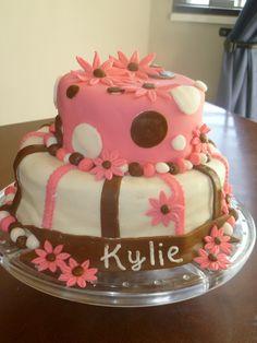 girl babyshower cake