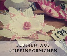 In meinem heutigen Basteltipp zeige ich euch wie ihr aus Muffinförmchen hübsche Blumen bastelt, mi denen ihr toll dekorieren oder Geschenke verzieren könnt.