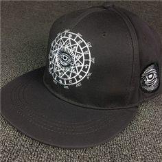 Illuminati Caps Round Labels 8abccb76b475