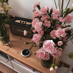 Discovered by Aida Koshmagambetova. Find images and videos about pink, flowers and room on We Heart It - the app to get lost in what you love. Flower Aesthetic, Pink Aesthetic, Plants Are Friends, Luxury Flowers, Deco Floral, Home And Deco, Bohemian Decor, Decoration, Planting Flowers