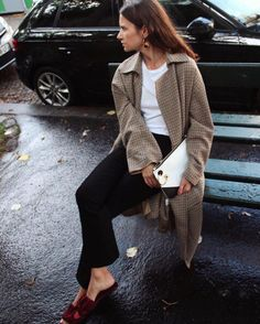 One ?; don't people's feet ever get cold?  I mean, what's with the sockless, hosieryless look?