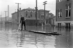 Unpublished. Louisville, Kentucky, at the time of the Great Ohio River Flood of 1937.