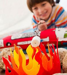 How to make a felt campfire for indoor camping! Free template included.