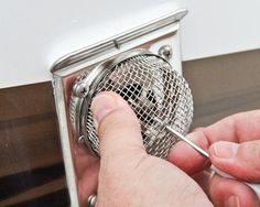 RV Bug Screen Mods - Keep The Creepy Crawlers Out Insects are some of the most clever infiltrators of private space in existence. Its perhaps worse in a RV than anywhere else. That's why a RV bug screen mod may be just what the RV Bus Camper, Camper Hacks, Rv Hacks, Camper Life, Rv Campers, Rv Life, Happy Campers, Popup Camper, Mini Camper