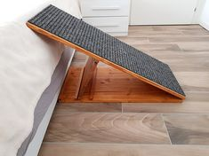 dog ramp for bed dachshund / dog ramp for bed . dog ramp for bed diy . dog ramp for bed how to build . dog ramp for bed plans . dog ramp for bed diy how to build . dog ramp for bed ideas . dog ramp for bed easy . dog ramp for bed dachshund Dog Ramp For Stairs, Dog Ramp For Bed, Pet Ramp, Pet Stairs, Portable Dog Kennels, Portable Ramps, Dog Steps, Pet Steps For Bed, Diy Dog Kennel