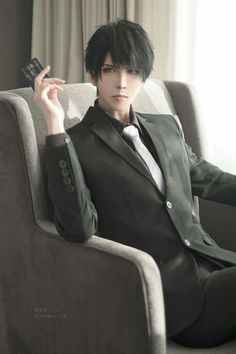 He gave me Jumin's vibe at first but they're completely different/// I had lots of fun shooting this despite he's a serious character XD Photographer Cosplay Anime, Epic Cosplay, Male Cosplay, Amazing Cosplay, Cosplay Outfits, Handsome Anime, Handsome Boys, Pose Reference Photo, Cosplay Characters