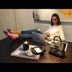"107.3 хил. харесвания, 410 коментара – Olivia Palermo (@oliviapalermo) в Instagram: ""I've got ☀️ on a daysparkling in my shoes @rogervivier ❤️ #chicparisien #rogervivier"""
