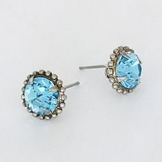 Snag some FREE sparkle! See how here! http://www.theperfectpalette.com/2012/12/sponsored-post-sorrelli-jewelry-at.html#