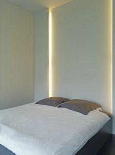 liniowe światło w sypialni / nastrojowe
