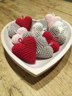 Little Hearts By Kate Eastwood - Free Crochet Pattern - (blog.lovecrochet)