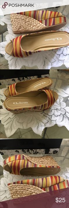 Beautiful CL Laundry Slides NWOT 🌺 Beautiful Multi Color Wedge SLIDES 👠🎁 CL Laundry Shoes Wedges