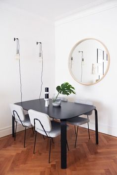 At Beatriz Pietro's, contemporary cool - Make space journal Luxury Marketing, Home Goods, Dining Table, Homes, Contemporary, Cool Stuff, Furniture, Home Decor, Houses