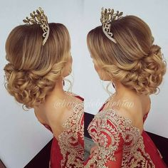 Quinceanera Hairstyles Glamorous 20 Absolutely Stunning Quinceanera Hairstyles With Crown  Pinterest