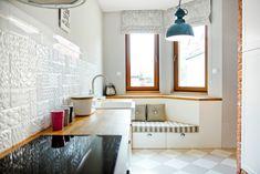 Styl prowansalski w nowoczesnym wydaniu - PLN Design Kitchen Dining, Kitchen Cabinets, Dining Room, Provence Style, Scandinavian Interior Design, Leroy Merlin, Window Treatments, Studios, Table