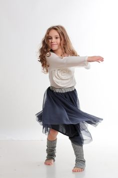 white t-shirt with flower draping and soft tulle skirt. A cool outfit for school and not only. kid fashion from www. Designer Kids Clothes, Fall Winter 2014, Draping, School Outfits, Fall Outfits, Cool Style, Kids Fashion, How To Look Better, Designers