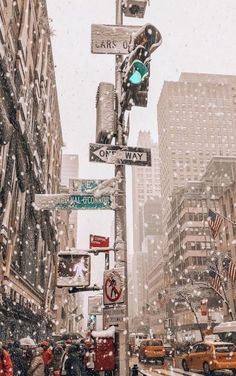 Xmas Wallpaper, Christmas Phone Wallpaper, City Wallpaper, Aesthetic Iphone Wallpaper, Wallpaper Backgrounds, Aesthetic Wallpapers, Travel Wallpaper, Christmas Aesthetic Wallpaper, Fashion Wallpaper
