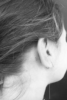 Hem Küpelerin Hem de Piercinglerin Papucunu Dama Attıracak 25 Enfes Kulak Dövmesi