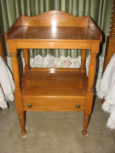 Willett Furniture Golden Beryl Maple Table From