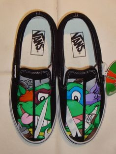 @EmDavNTheMornin Custom painted vans with Ninja Turtle theme