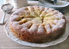 Torta soffice con pesche fresche per la colazione del mattino, sana e genuina, fresca e profumata, con quella consistenza leggermente umida che vi farà...