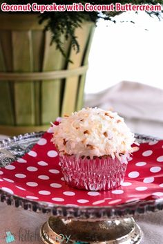 Coconut Cupcakes with Coconut Buttercream - KitchenJoy