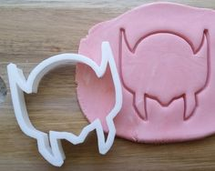 Wolverine Logo Cookie Cutter Biscuit Pastry Fondant Stencil Comic Hero Marvel FA024