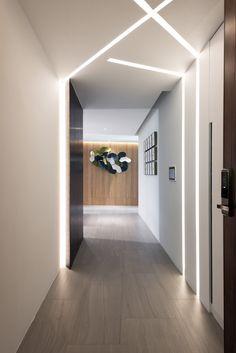 Long hallway decorating ideas corridor wall lights light fixtures lighting design modern interior of hall render Corridor Lighting, Cove Lighting, Wall Sconce Lighting, Interior Lighting, Lighting Design, Ceiling Light Design, False Ceiling Design, Hallway Light Fixtures, Deco Led