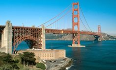 San Francisco's Top 10 : Golden Gate Bridge - Fort Point Lookout    On the city side stands an 1861 fort. This spot provides a view of the soaring underside of the structure and the pounding waters of the ocean.