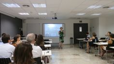 """Conferencia de María Ángeles Chavarría """"La eficacia de la creatividad en el aprendizaje"""" en la Universidad Europea de Valencia, dentro de la Jornada de Nuevas Metodologías Docentes"""