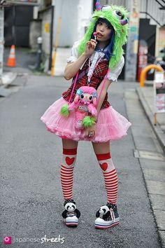 121007-1943 - Japanese street fashion in Harajuku, Tokyo