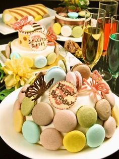 Macaron Tower, Edible Bouquets, Macarons, Birthday Cake, Holiday, Desserts, Food, Tailgate Desserts, Vacations