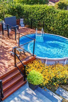 Above Ground Pool Landscaping, Backyard Pool Landscaping, Backyard Pool Designs, Small Backyard Design, Small Backyard Patio, Above Ground Pool Decks, In Ground Pools, Outdoor Pool, Backyard Ideas