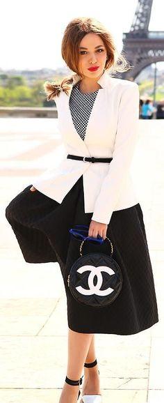 Tom Ford jacket - Chanel bag - asos sunglasses - H&M skirt - Zara heels Plaid Fashion, Tomboy Fashion, Green Fashion, Modest Fashion, Girl Fashion, Fashion Outfits, Office Fashion, Preppy Mode, Preppy Style