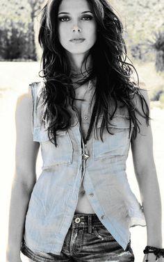 "Ashley Greene embodies the word ""lovely"""