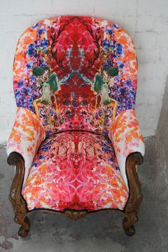 """Omni Splat"" fabric chair. I love this fabric, I need this fabric"
