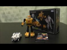 Transformers Masterpiece Bumblebee (MP 21) Toy Review (With Spike in Exo...