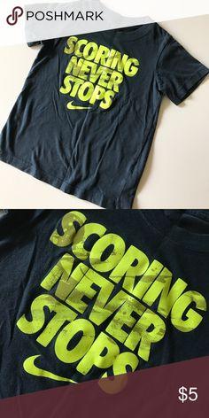 BOYS NIKE T Navy blue and neon green Nike boys T. Shirt. Worn maybe abc5e730ac9