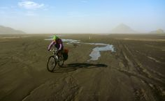 Con un par de ruedas -  Cycling though F210, Iceland
