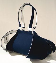 Bag It!︱Discover more at Paperonfire : style.paperonfire.co #bag #women #fashion #style #paperonfire #clutch #handbag