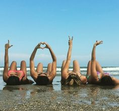 L♡VE friends Funny Beach Pictures, Family Beach Pictures, Bff Pictures, Summer Pictures, Beach Humor, Videos Instagram, Photos Originales, Beach Poses, Photography Challenge