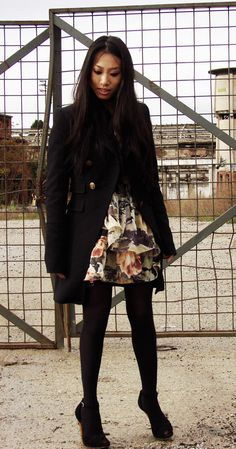 Romantic look in a grunge and subdued location