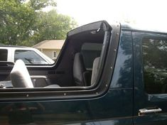 ok i have my top off but you can see the holes in the bed rails and the top of the cab where the headliner meets the backing. Car Ford, Ford Trucks, Ford Bronco 1996, Bronco Concept, Ford Explorer Accessories, Broncos Pictures, Bronco Truck, Classic Ford Broncos, Restoration Shop
