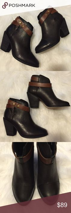 """⚡️24 HR SALE⚡️Steve Madden Raazor Boot Excellent condition! Wear shown on sole and strap. Buttons are slightly tarnished but add to the moto inspired profile. 3.5"""" heel. Leather upper and lining, rubber sole. Steve Madden Shoes Ankle Boots & Booties"""