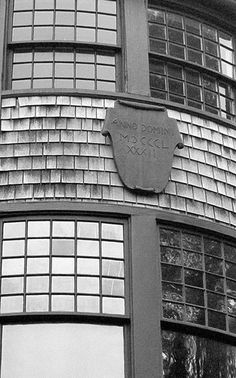 Chapter 18: McKim, Mead & White's Isaac Bell Jr. House Newport, Rhode Island. Shingle Style.