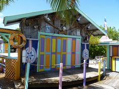 Snapper's Restaurant, a Hidden Jewel in Key Largo - The first stop on the drive to the keys