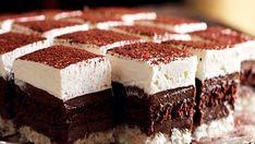 Užitak za sva čula: Savršeno kremaste kocke od čokolade i kokosa Cake Cookies, Cupcake Cakes, Dessert Cake Recipes, Desserts, Torte Recepti, Bosnian Recipes, Cake Bars, Eat Dessert First, Something Sweet
