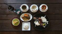 本日も12時からlunchオープンです。 #沖縄#沖縄カフェ#cafe#名護#ランチ#lunch#キッズスペース#森#ガラス#洋食#肉#のんびりランチ#カフェ#沖縄カフェ巡り#沖縄旅行#沖縄ランチ#沖縄lunch♯ウェディング♯wedding♯レストランウェディング♯restaurantwedding