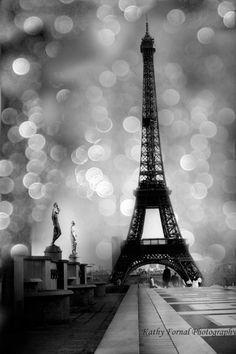 Photographie de Paris, Tour Eiffel noir blanc photographie, Art mur surréaliste céleste blanc noir Paris, Tour Eiffel de Paris Black White Bokeh