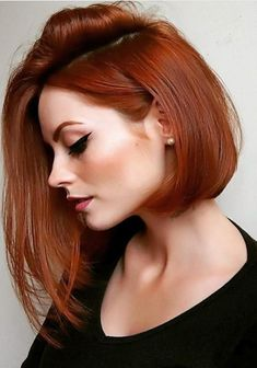 30 Auburn Hair Color for Short Hair Color De Pelo Pelirrojo 2018 – Station Of Colored Hairs Medium Short Hair, Medium Hair Cuts, Medium Hair Styles, Curly Hair Styles, Curly Short, Short Red Hair, Red Long Bob, Short Auburn Hair, Medium Cut