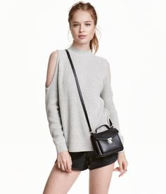 Ribbed turtleneck top in a soft cotton blend with cut-out sections at shoulders and long raglan sleeves. Ribbed Turtleneck, Ideias Fashion, Autumn Fashion, Turtle Neck, Fashion Outfits, Women's Fashion, Stylish, My Style, Sleeves